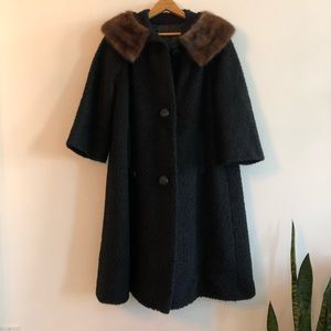 Vintage fur collar black coat